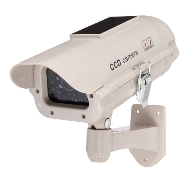 Falsk overvåkningskamera med solcellepanel - SpyGadgets