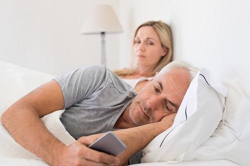 avsløre utroskap gjennom avlytting av mobiltelefon