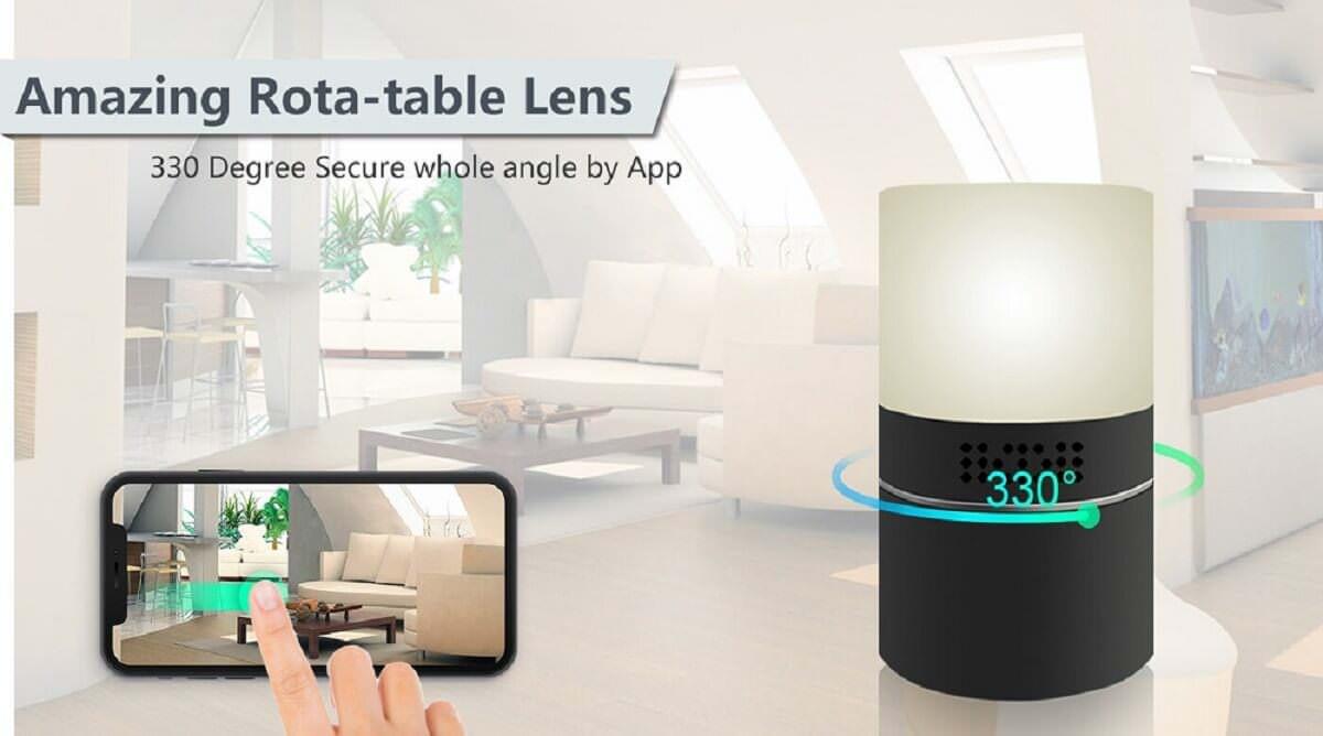 Roterende WiFi kameralinse skjult i bordlampe